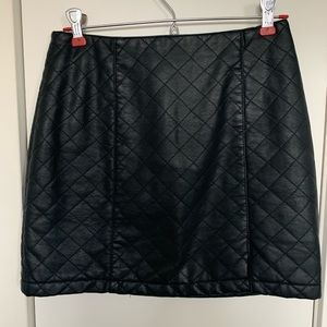 Forever21 Quilted Black Mini Skirt Size S